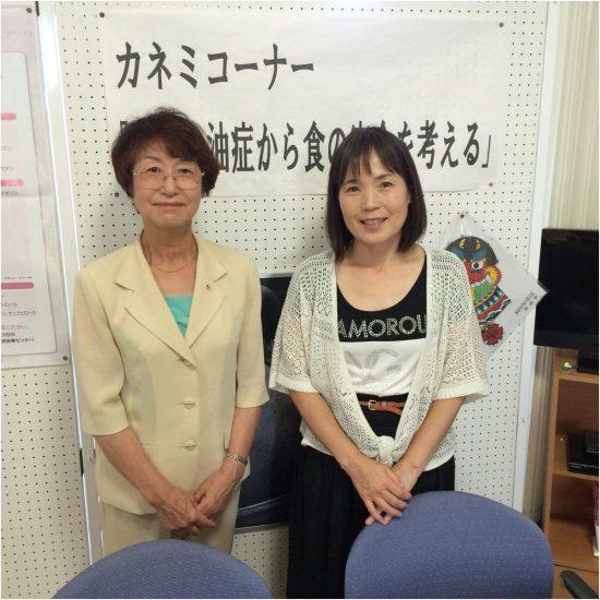 宿輪敏子さん(右)と(於:五島市総合福祉保健センター)